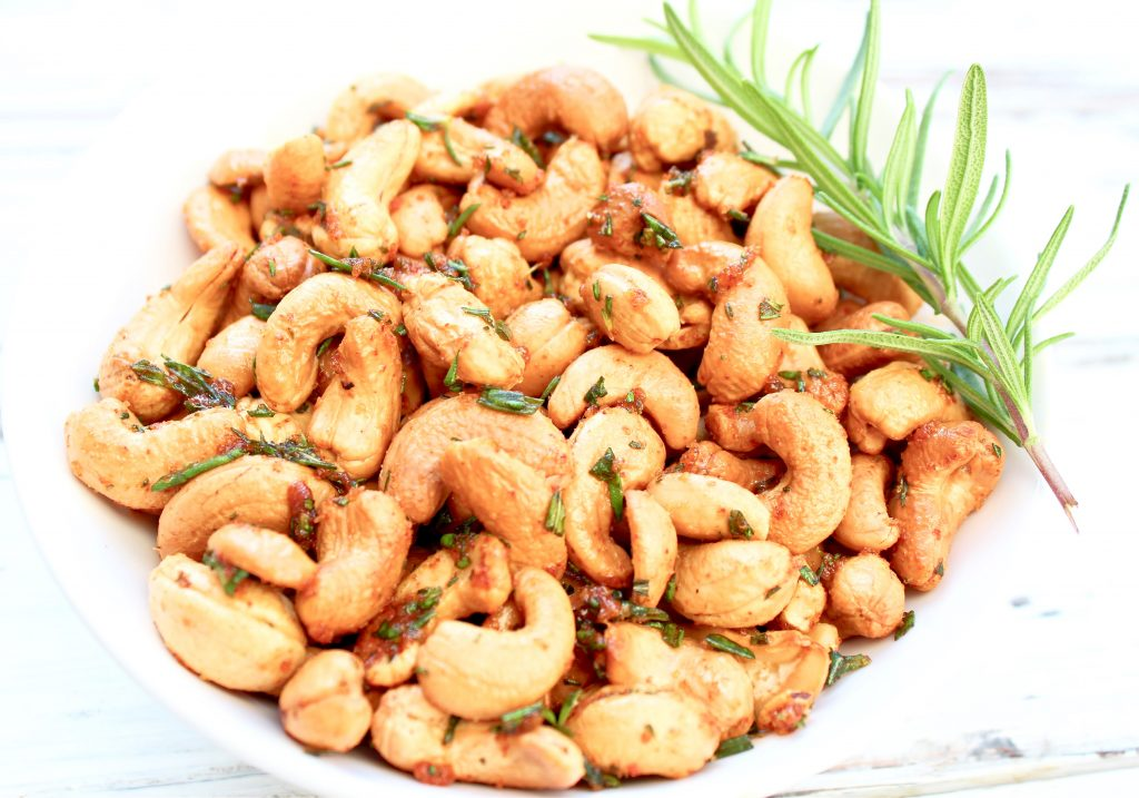 Rosemary Cashews ~ These roasted cashews are a little sweet, a little spicy, completely delicious, and perfect for holiday gifting!