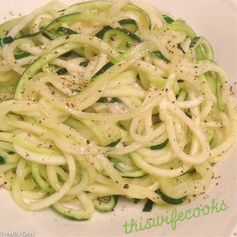 Zucchini Olio - A delicious low carb of a pasta classic! | thiswifecooks.com