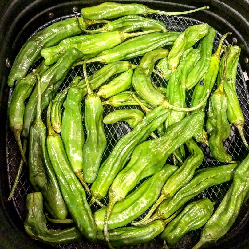 Air-Fried Shishito Peppers | Easy | Vegan | thiswifecooks.com