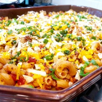 A classic vegan chili mac made with all plant-based ingredients and NO nutritional yeast!