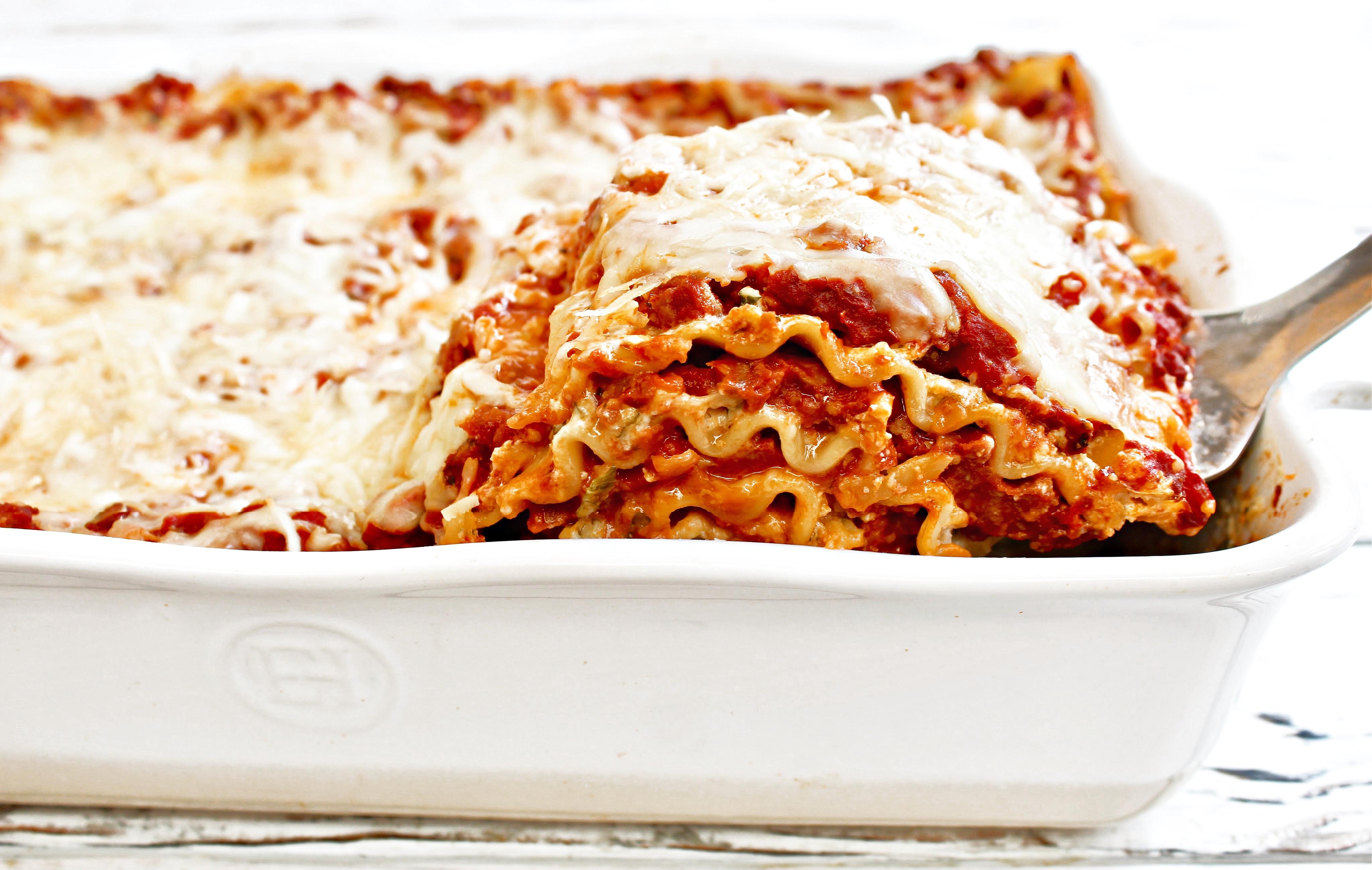 Classic Lasagna | thiswifecooks.com