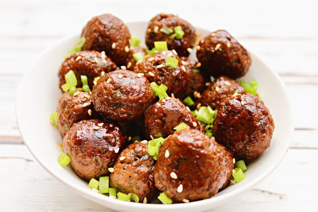 Vegan Teriyaki Meatballs ~ 5-ingredient plant-based meatballs in homemade teriyaki sauce. An easy main dish over rice or game day appetizer!