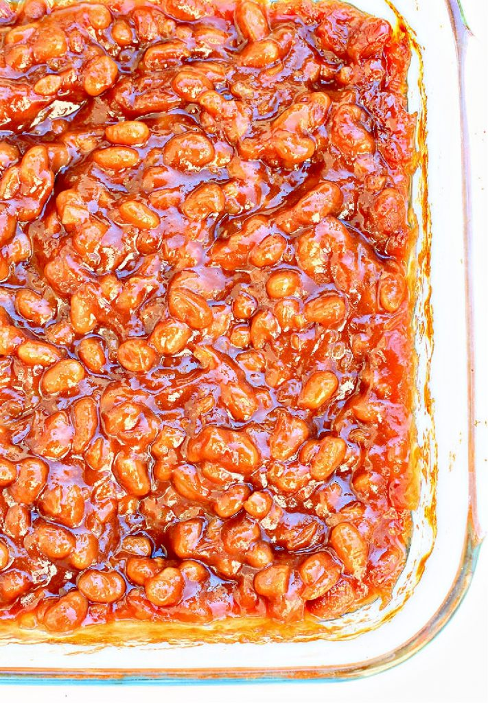 Vegan BBQ Baked Beans ~ A sweet and savory summer side dish that pairs well with burgers, grilled veggies, and pasta salads. Perfect for Father's Day weekend or the 4th of July!