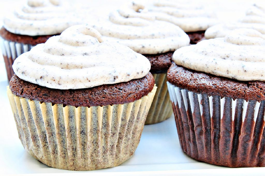 Vegan Cookies and Cream Cupcakes ~ Chocolate Oreo cupcakes topped with Oreo-infused buttercream frosting! Perfect for a birthday party or everyday treat!