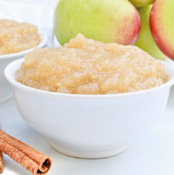 Stovetop Applesauce ~ A quick and easy homemade applesauce made with a few simple ingredients and packed with fresh apple flavor!